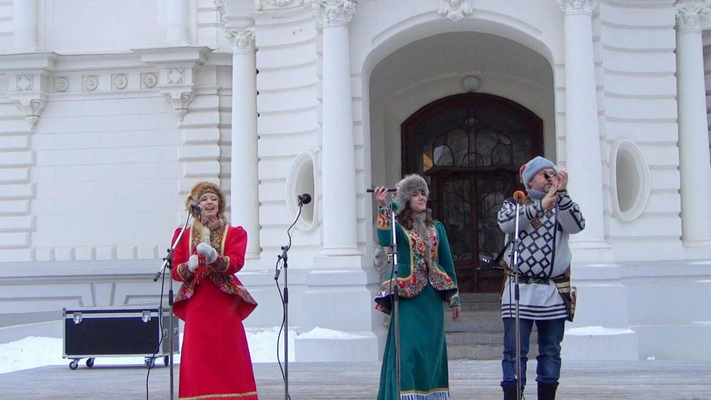 """Выступление группы """"ЕжеВика"""" было проникнуто фольклорным колоритом"""
