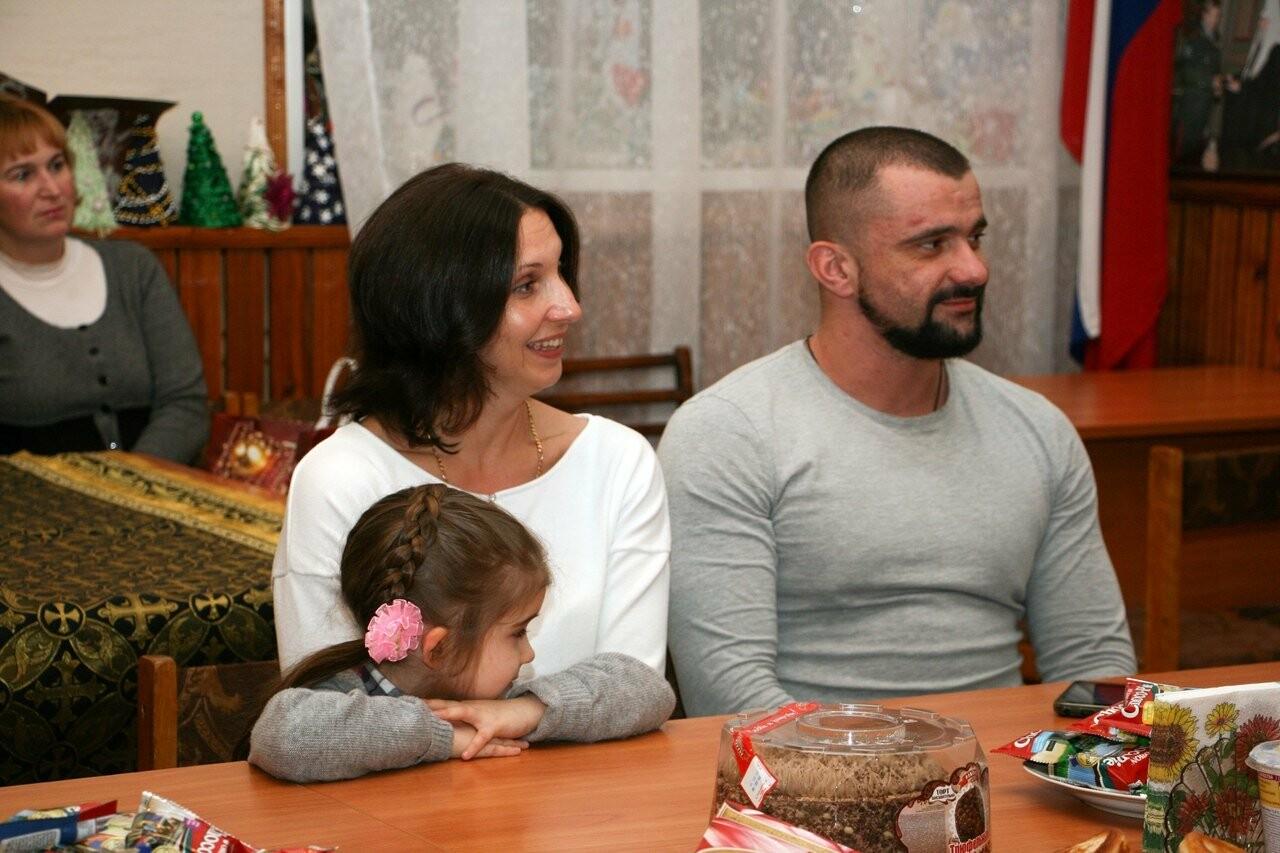 """В группу """"Милосердие"""", которая работает при Ильинском храме Мичуринска, входят молодые люди от 16 до 40 лет"""