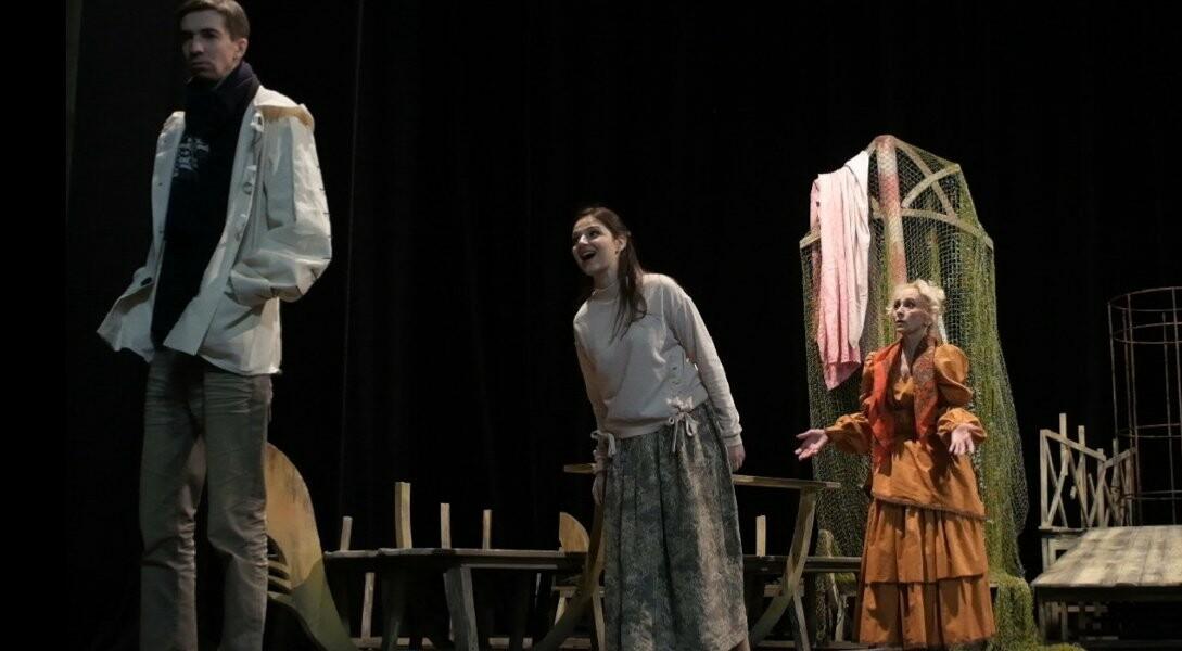 Комедия венецианского драматурга потребовала от труппы Тамбовского драматического театра большого мастерства