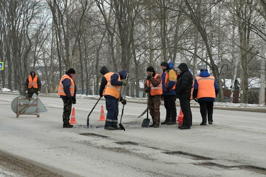 Пока нет осадков и температурных скачков, дороги ремонтировать можно