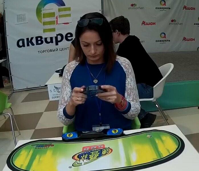 Ирина Ярыгина тоже с удовольствием решает головоломки