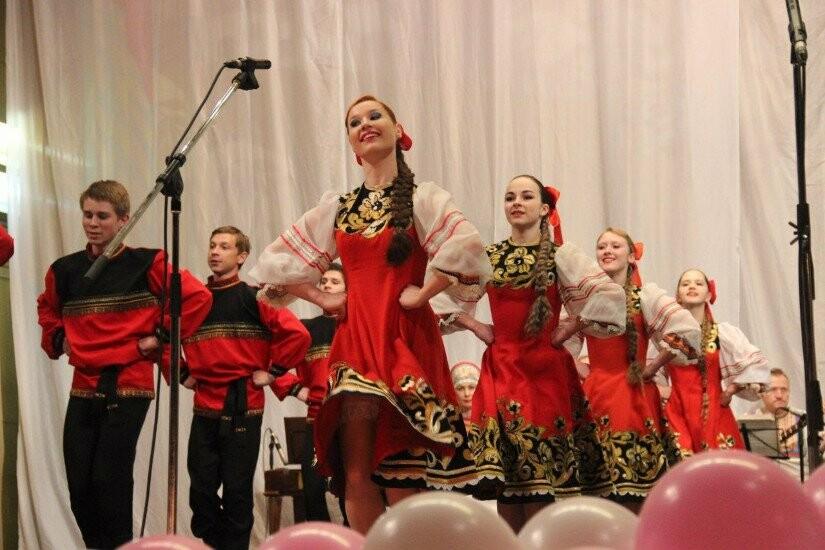 """В программе """"Весенней капели"""" - номера народной хореографии"""