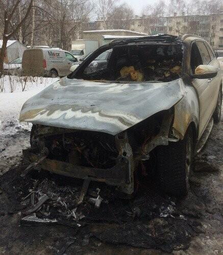 В центре Тамбова сгорела иномарка, фото-1, Фото: Никита Боков
