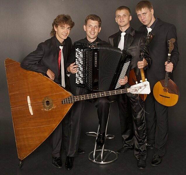 Ансамбль русских народных инструментов «DoMiNo»