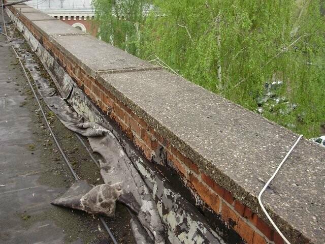 Тамбовская школьница получила травму: с крыши 9-этажки на нее упал кусок парапета, фото-1