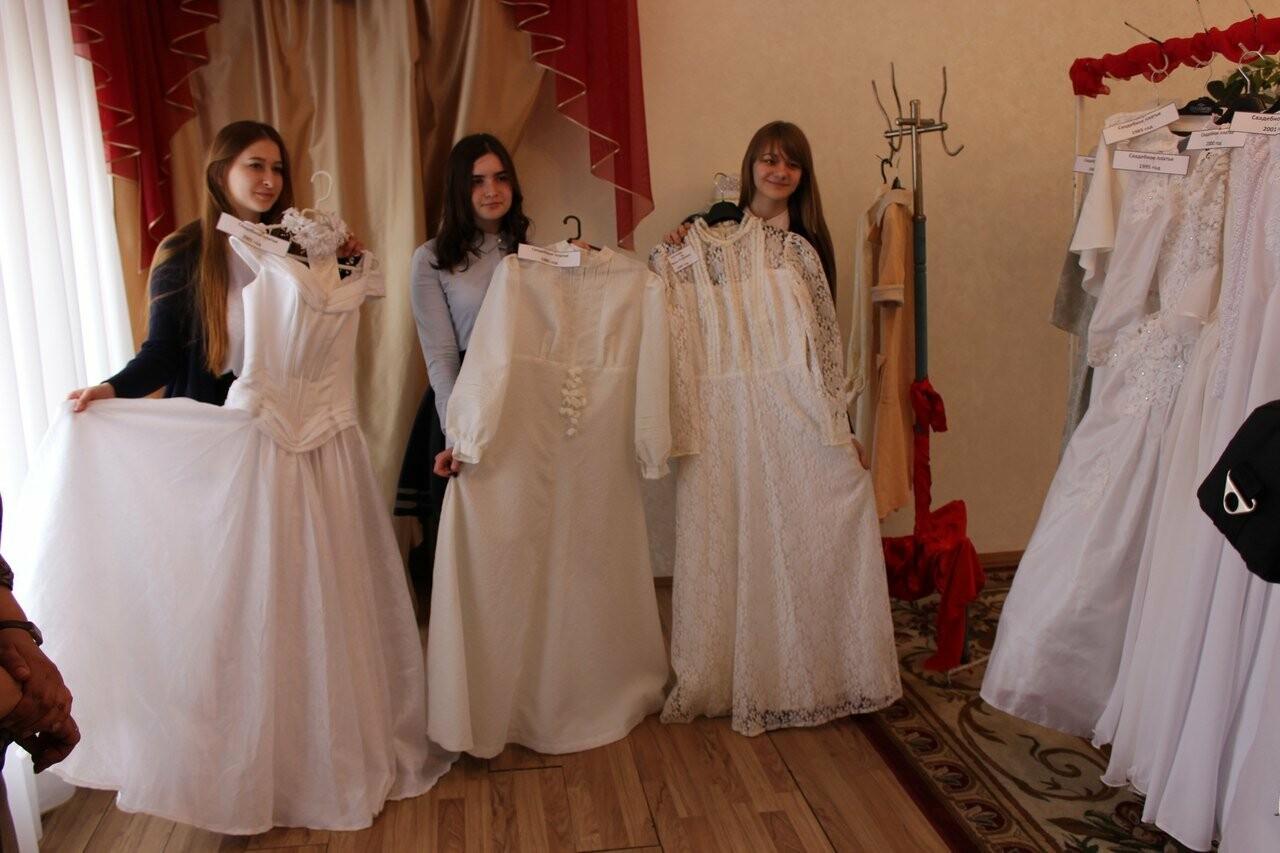 Тамбовчанам показали свадебные платья «сталинских» времен, фото-2
