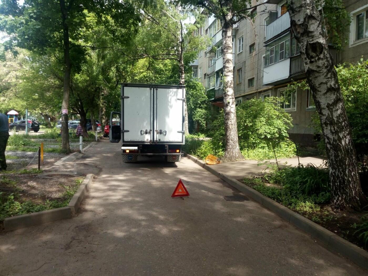 Тамбовчанку в собственном дворе сбила Газель, фото-1