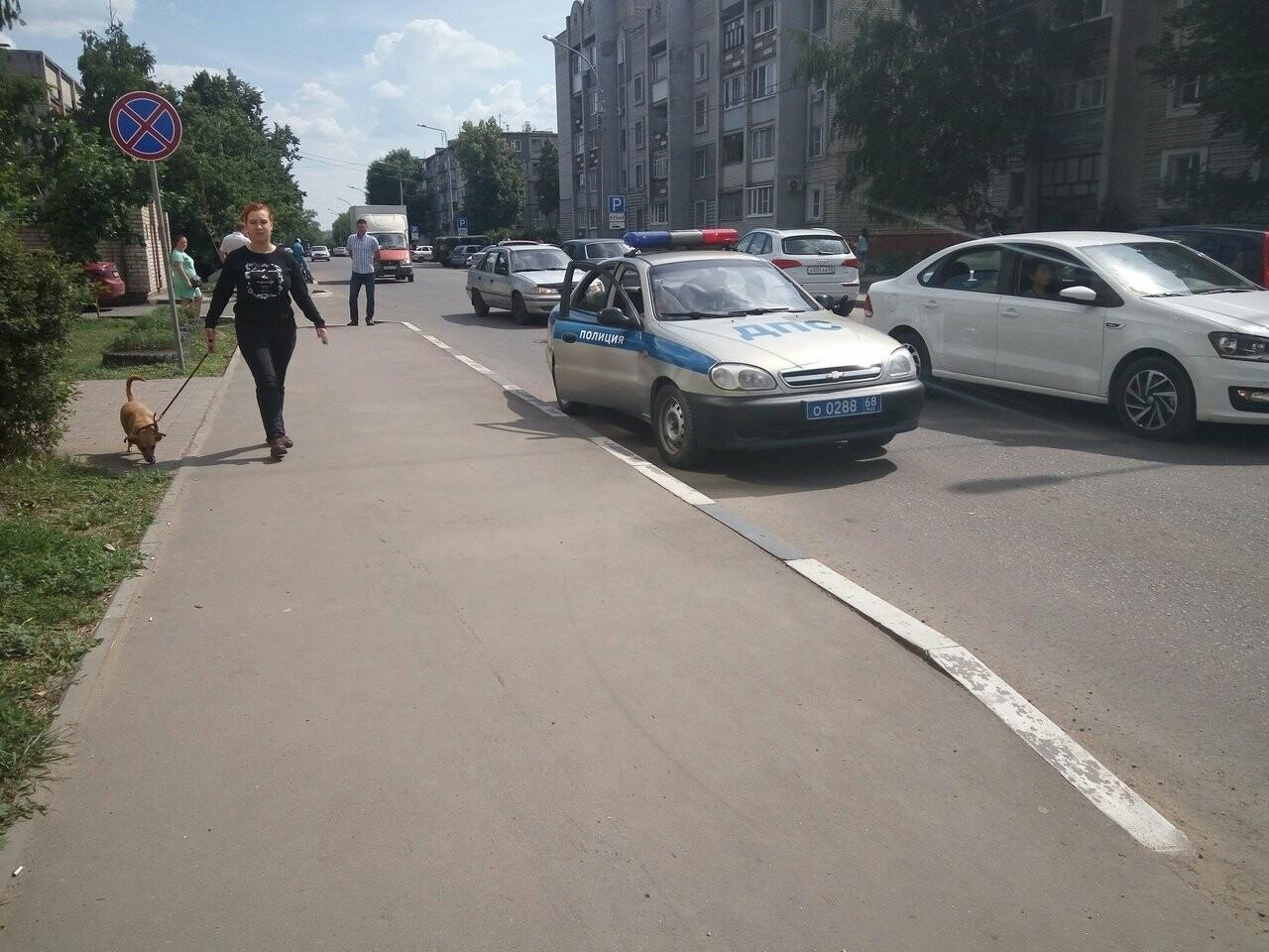 В Тамбове на улице Бориса Васильева «Опель» пробил бетонную стену , фото-2