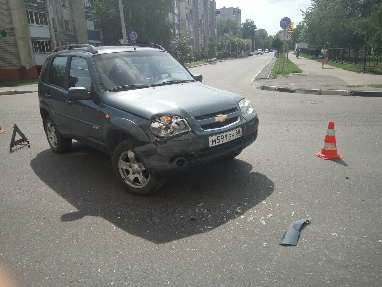 В Тамбове на улице Бориса Васильева «Опель» пробил бетонную стену , фото-7