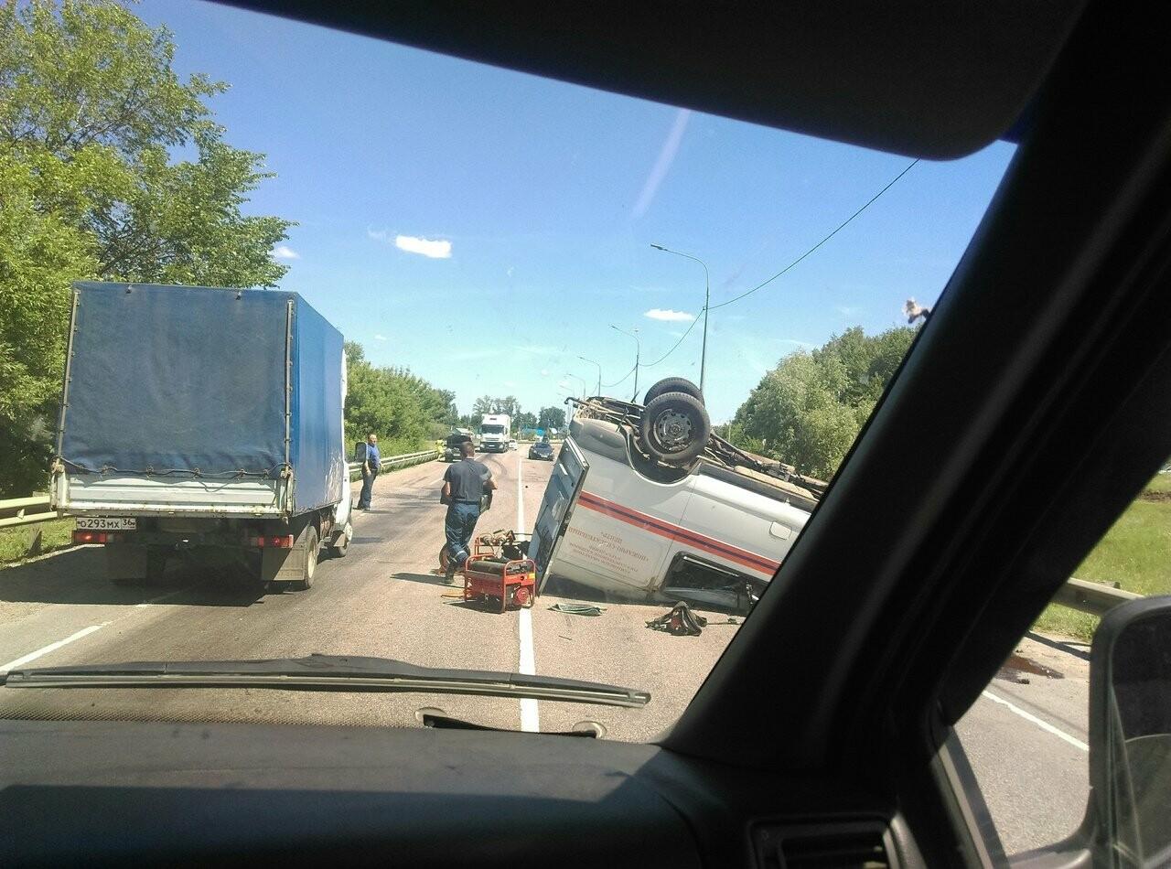 На трассе под Тамбовом перевернулся «Соболь» со спасателями, фото-4