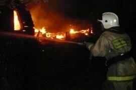 В Тамбове на Астраханской сгорели десятки сараев, фото-1