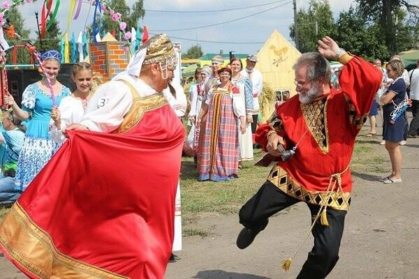 Тамбовчане наденут русские сарафаны, фото-2