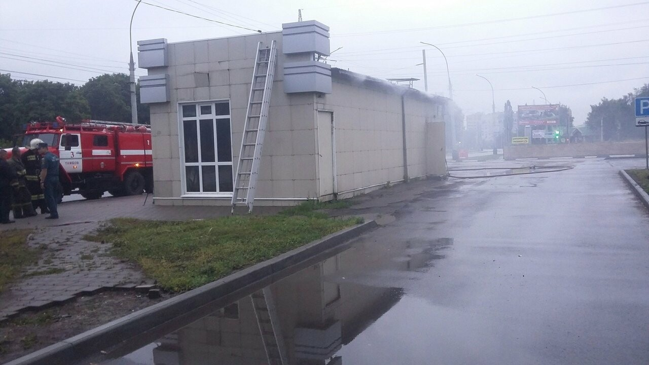 На Советской в Тамбове сгорел павильон, фото-5