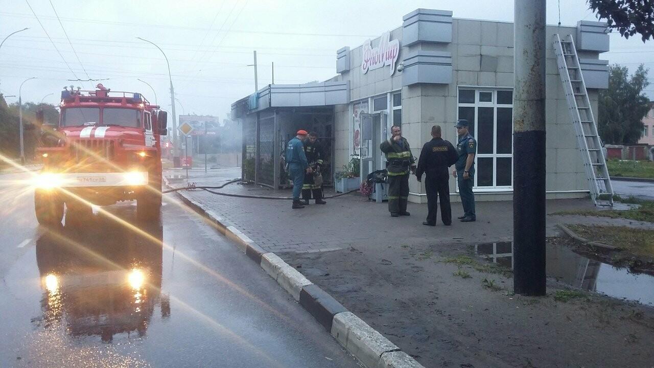 На Советской в Тамбове сгорел павильон, фото-4