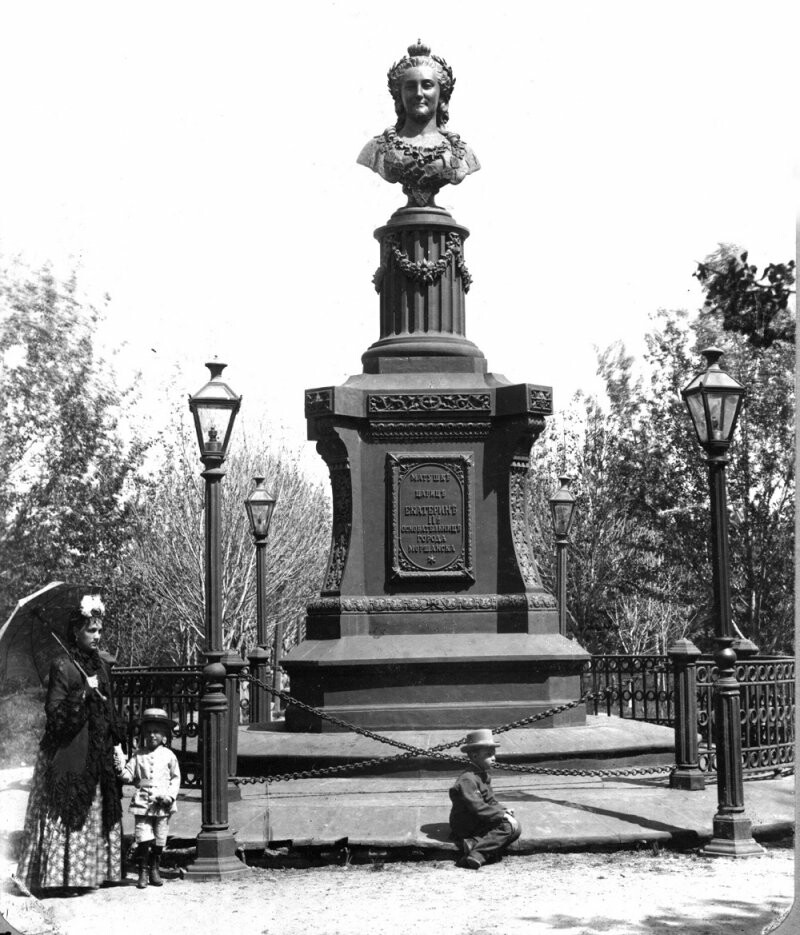Памятник Екатерине II в Моршанске установят производители каминов, фото-1