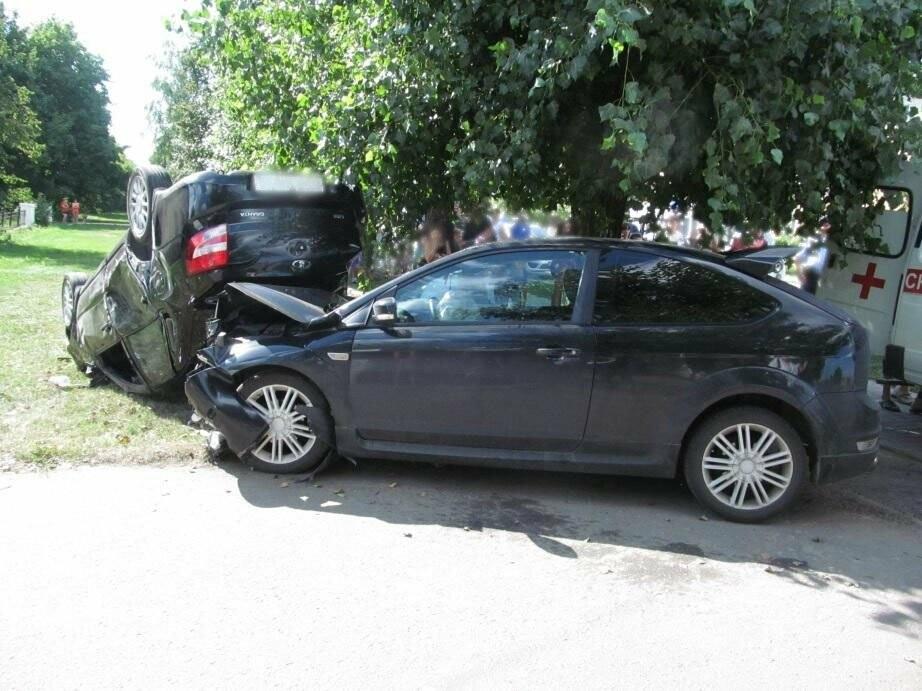 ДТП в Котовске: Гранта легла вверх колесами, фото-2