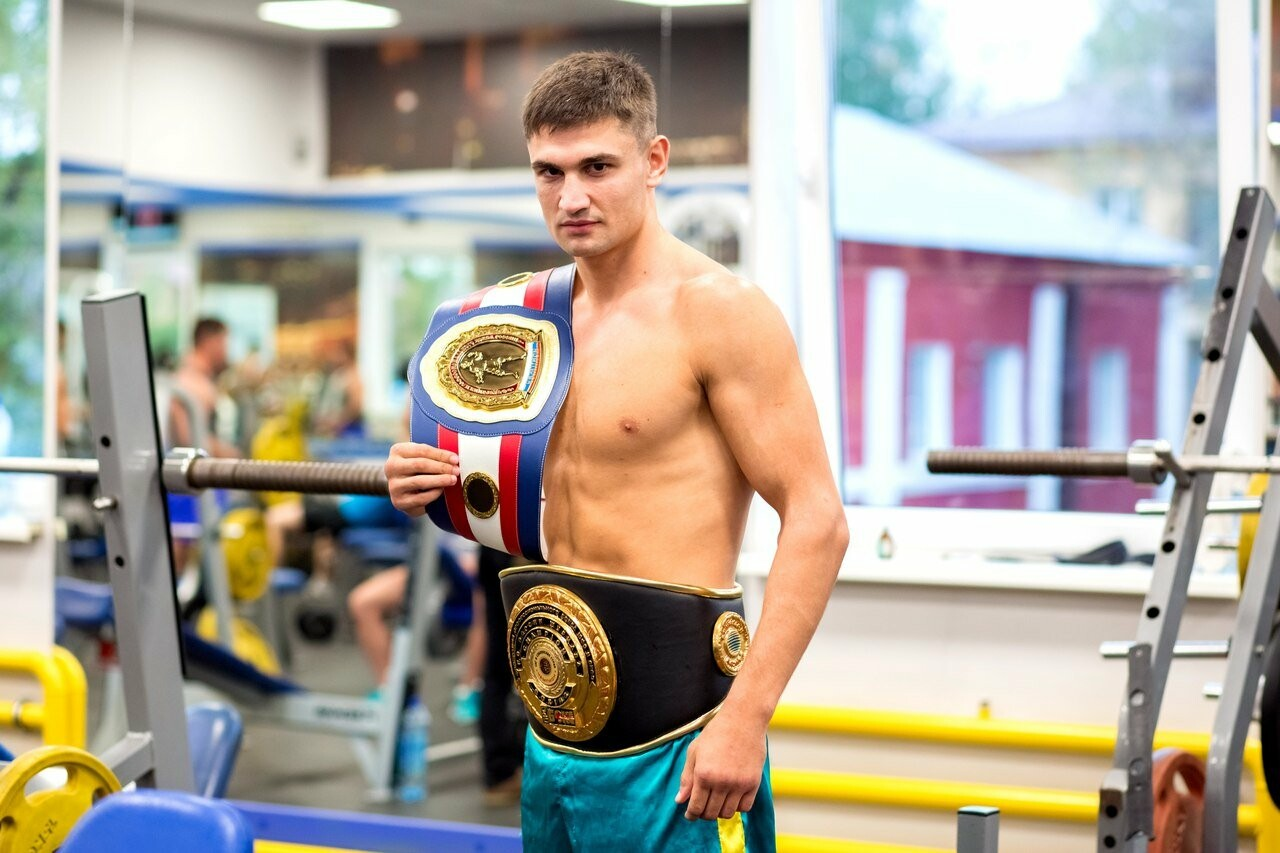 Знаменитый тамбовский боксер проведет встречу в Пушкинской библиотеке, фото-3