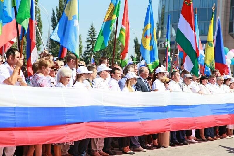 В Тамбове развернут флаг-гигант, фото-1