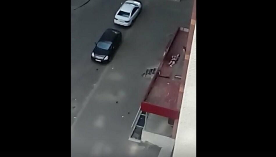 В тамбовской больнице скончался парень, упавший с 13 этажа, фото-1