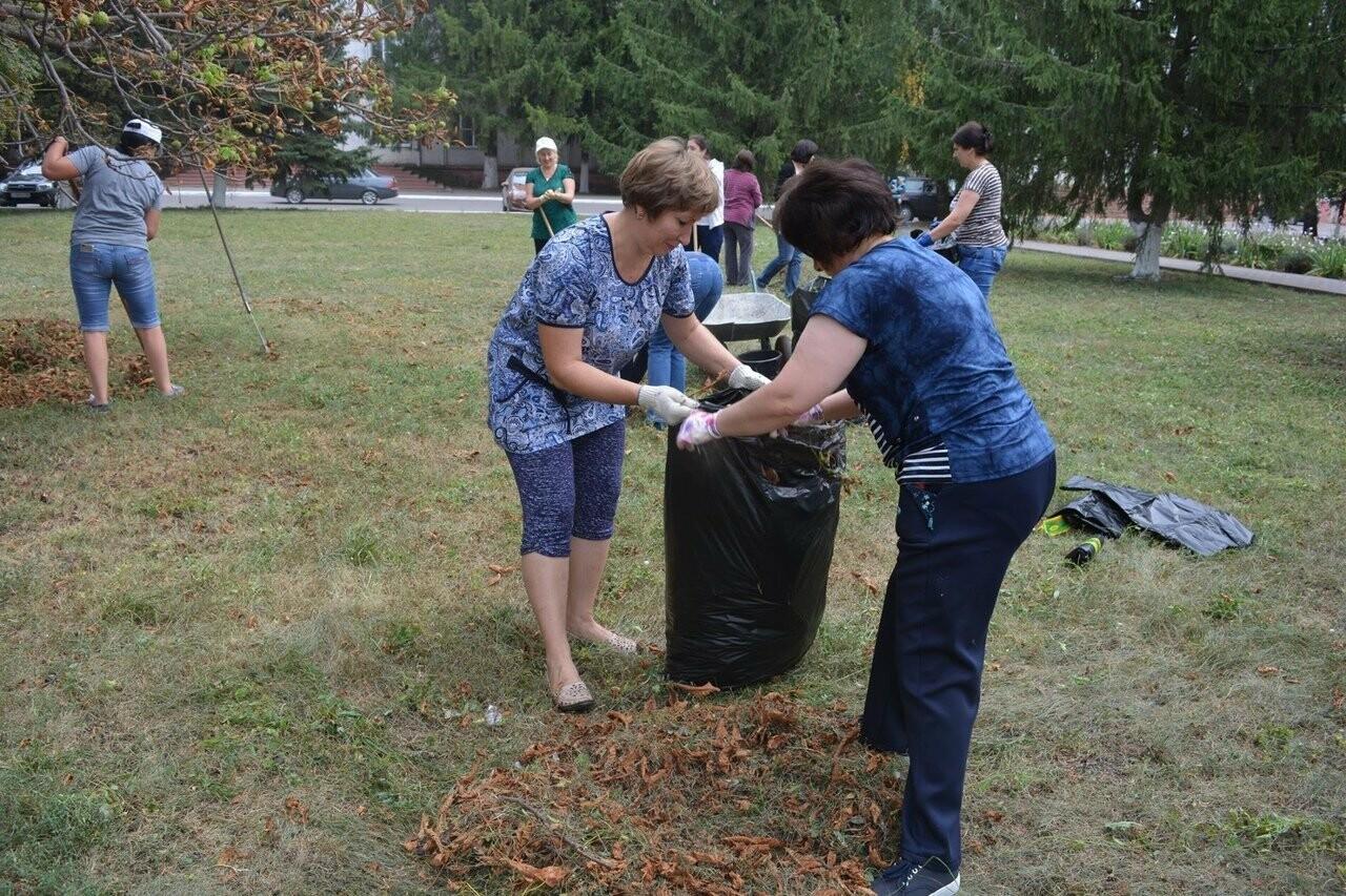 Тамбовщина отметила Всемирный день чистоты субботниками по всей области , фото-5