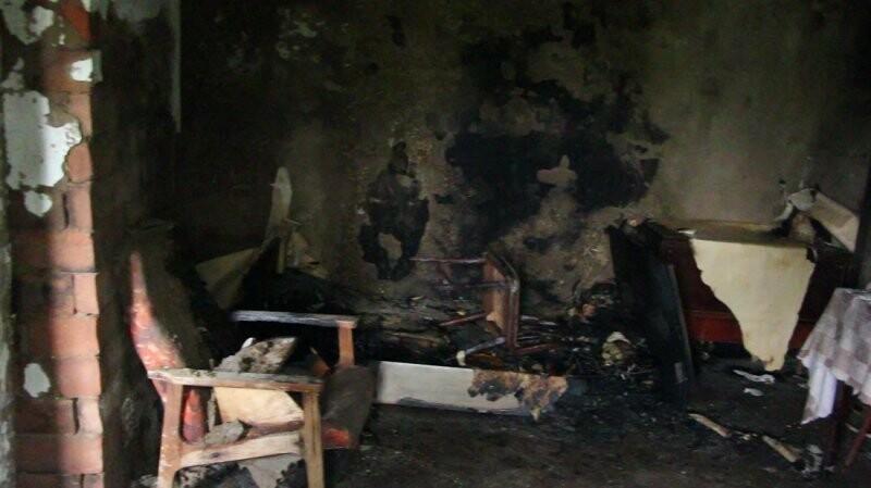 Тамбовские полицейские потушили пожар, устроенный бомжами, фото-1