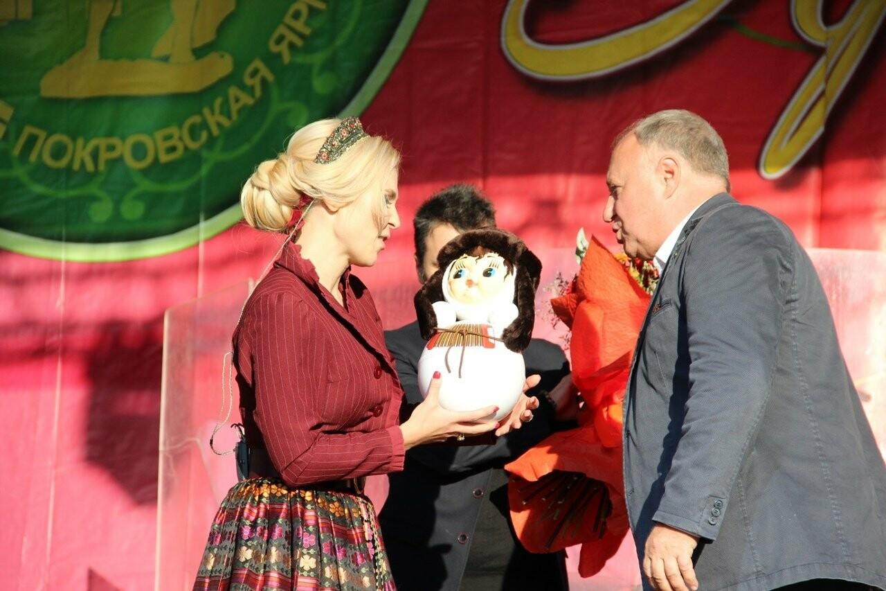 Тамбовский губернатор поцеловал Пелагею, несмотря на присутствие жены, фото-4