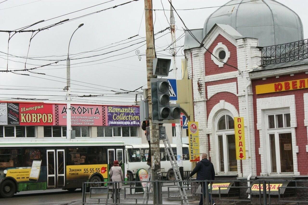 В центре Тамбова начали менять светофоры, фото-2