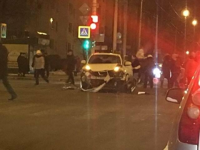 3 декабря 2018 года на перекрестке Чичканова и Советской в Тамбове произошло тяжелое ДТП, фото-2