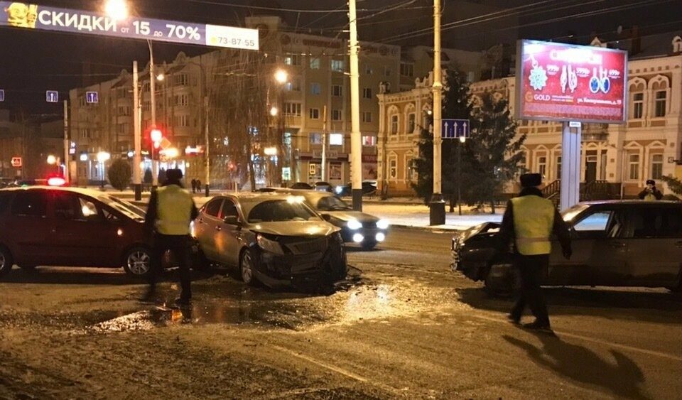 6 декабря на Интернациональной в Тамбове произошло массовое ДТП, фото-2