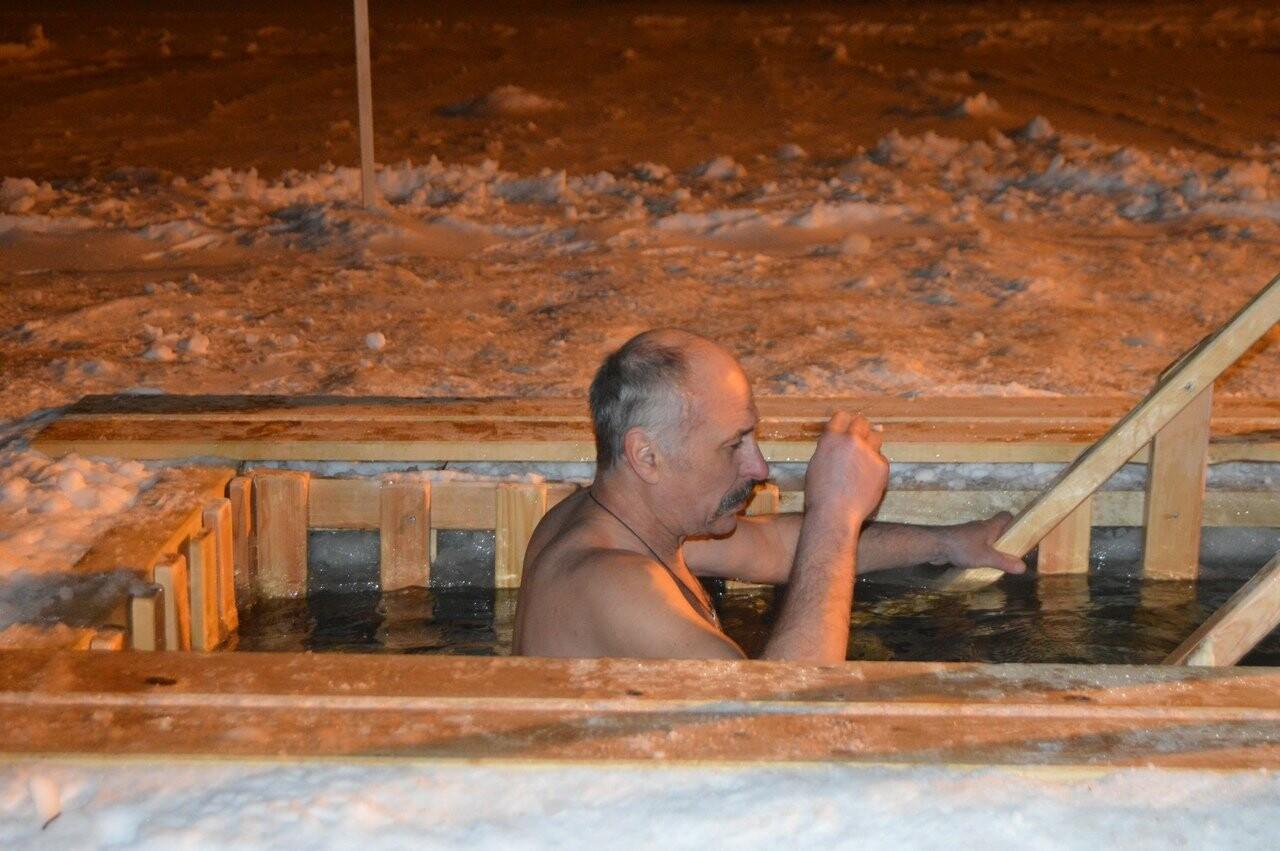 В Тамбове начались крещенские купания в проруби , фото-12