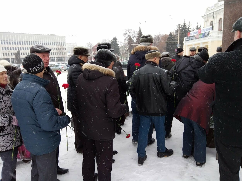 Тамбовские коммунисты почтили память вождя мирового пролетариата, фото-2