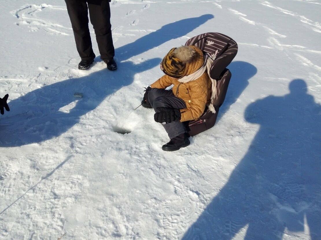 Ни хвоста, ни чешуи: в Тамбове провели детские соревнования по зимней рыбалке, фото-9