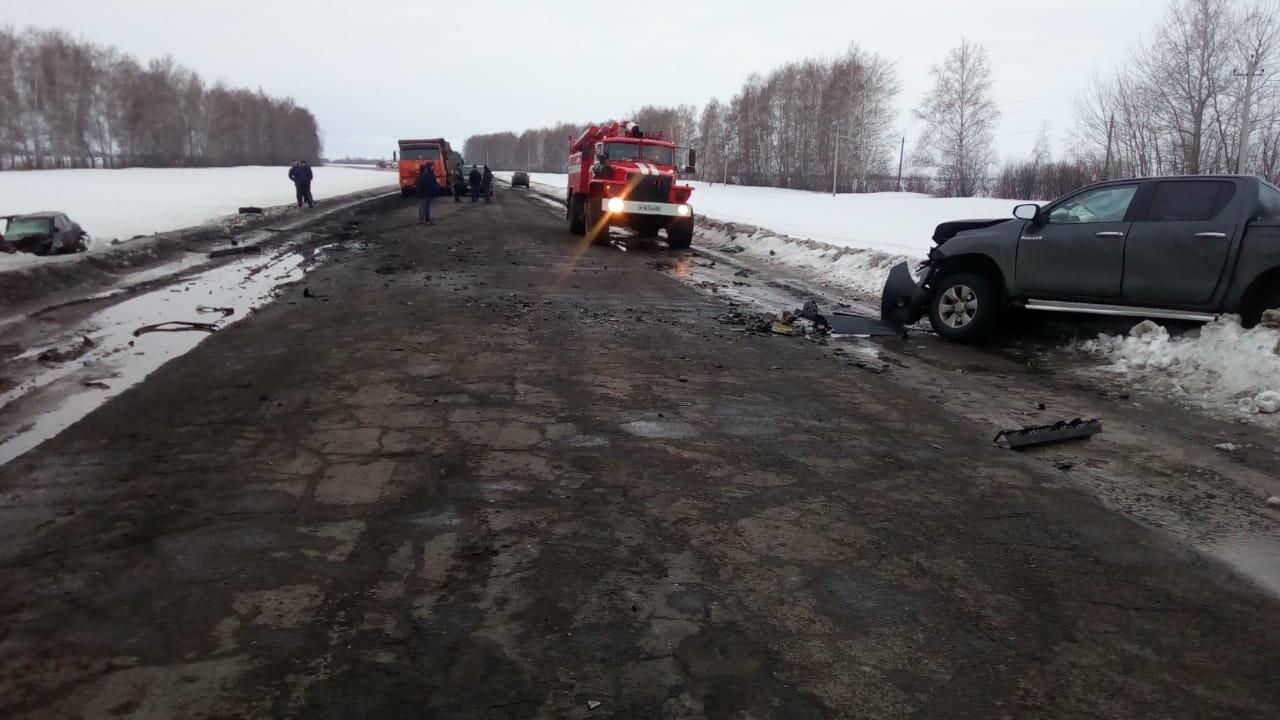 В Тамбовской области в страшном ДТП погибли два человека, еще пятеро пострадали, фото-1