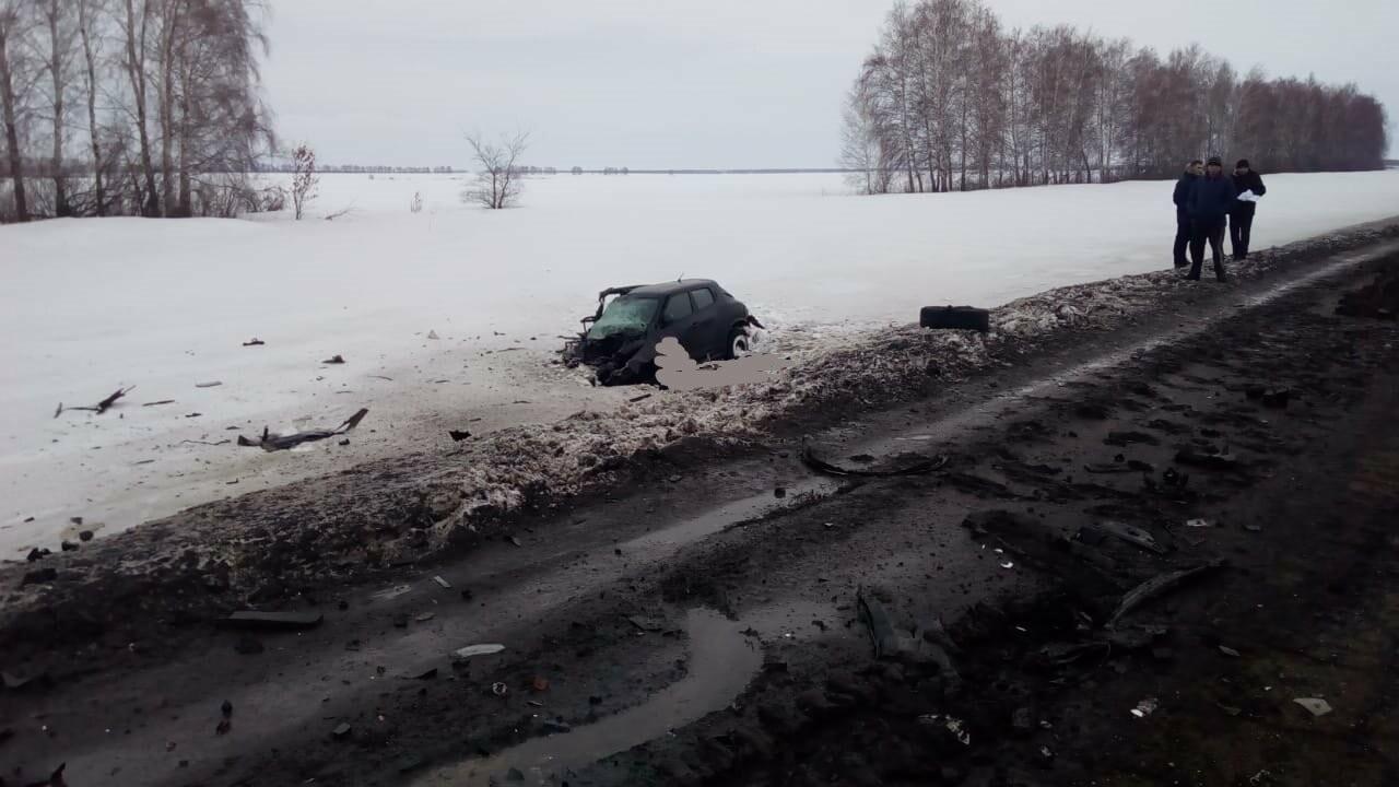 В Тамбовской области в страшном ДТП погибли два человека, еще пятеро пострадали, фото-2