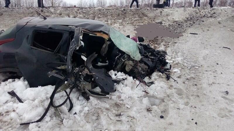 В Тамбовской области в страшном ДТП погибли два человека, еще пятеро пострадали, фото-4