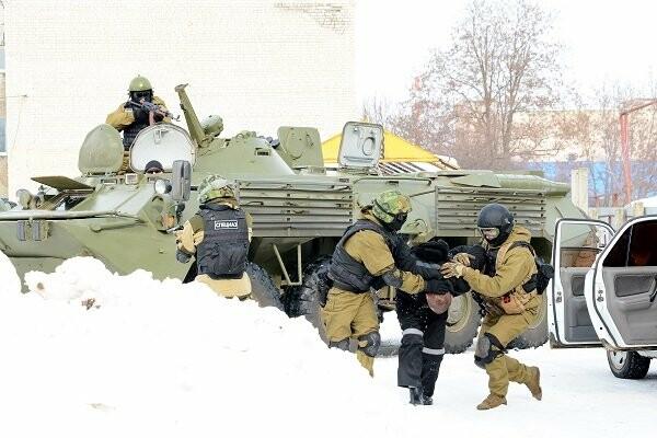 Тамбовский спецназ УФСИН освободил врачей, которых заключенные взяли в «заложники», фото-1