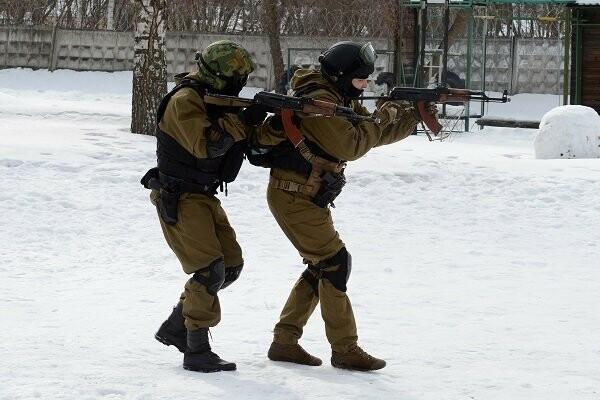 Тамбовский спецназ УФСИН освободил врачей, которых заключенные взяли в «заложники», фото-3