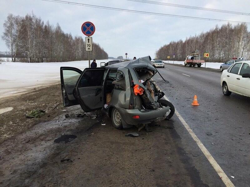 На трассе «Воронеж-Тамбов» при столкновении «ГАЗели» и «Лады» погибли двое, фото-2
