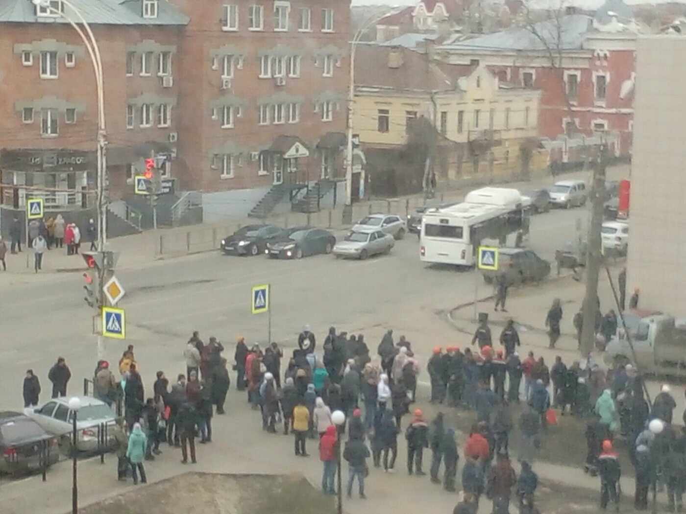 В Тамбове эвакуировали завод «Комсомолец» после сообщения о бомбе, фото-2