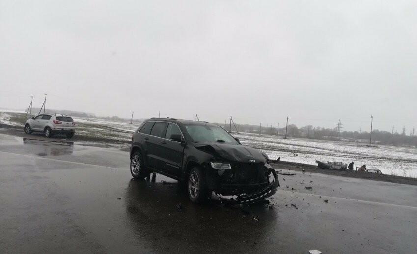 На трассе «Тамбов-Воронеж» столкнулись «Лада» и «Jeep»: есть пострадавший, фото-1