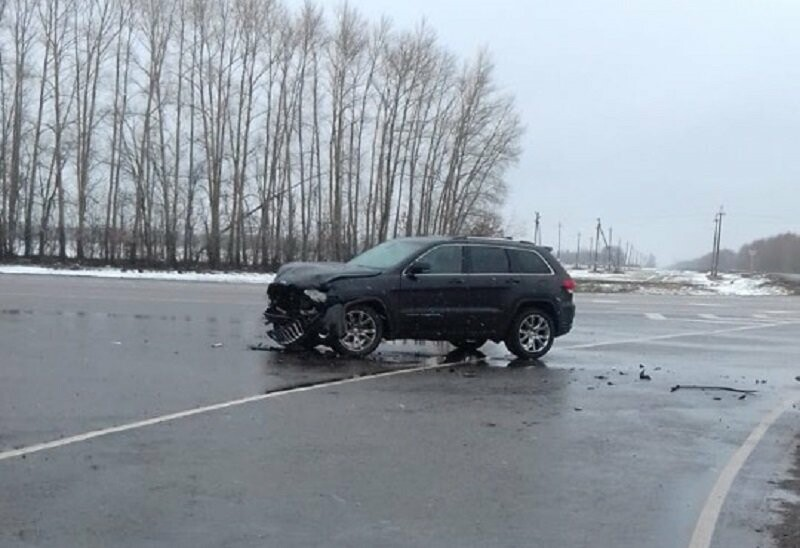 На трассе «Тамбов-Воронеж» столкнулись «Лада» и «Jeep»: есть пострадавший, фото-2