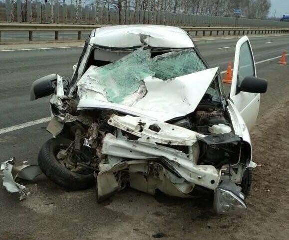 В Тамбовской области на трассе Р-22 при столкновении «Приоры» и «ГАЗели» пострадали двое, фото-1