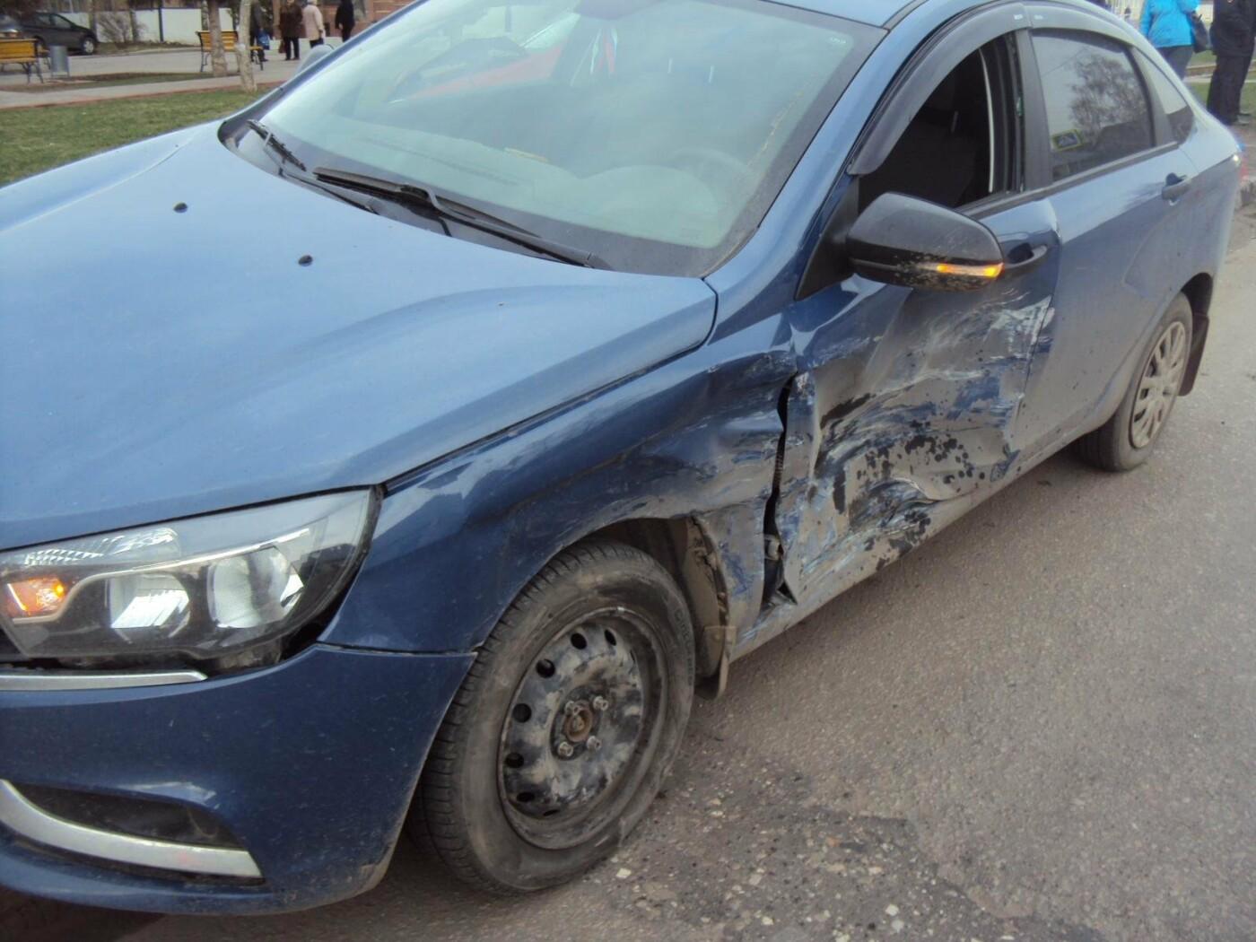 В Тамбове при столкновении двух легковушек пострадал мужчина, фото-1