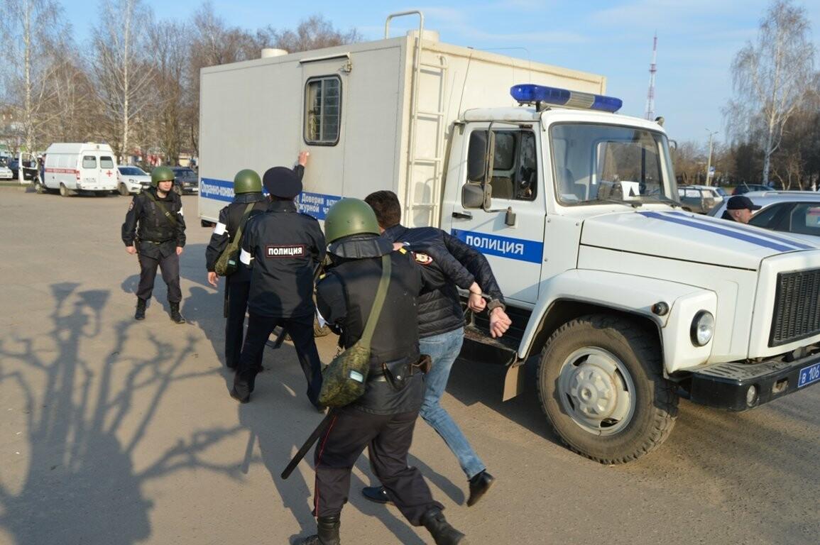 Террористы захватили один из корпусов ТГТУ. В заложниках студенты и преподаватели, фото-6