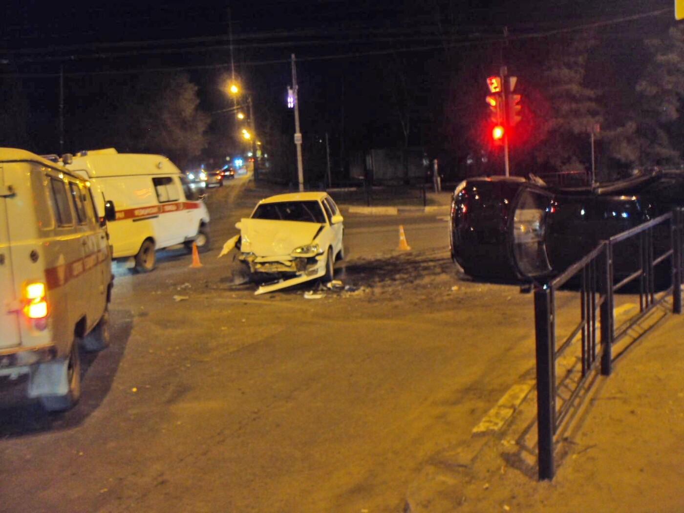 В Тамбове на улице Карла Маркса при столкновении двух легковушек пострадал человек, фото-5