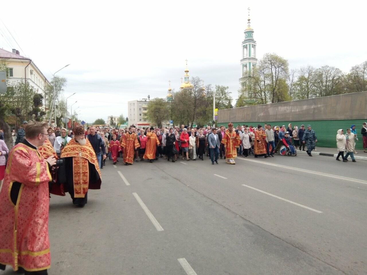 Тамбовские верующие совершили пасхальный крестный ход по улицам Тамбова, фото-3