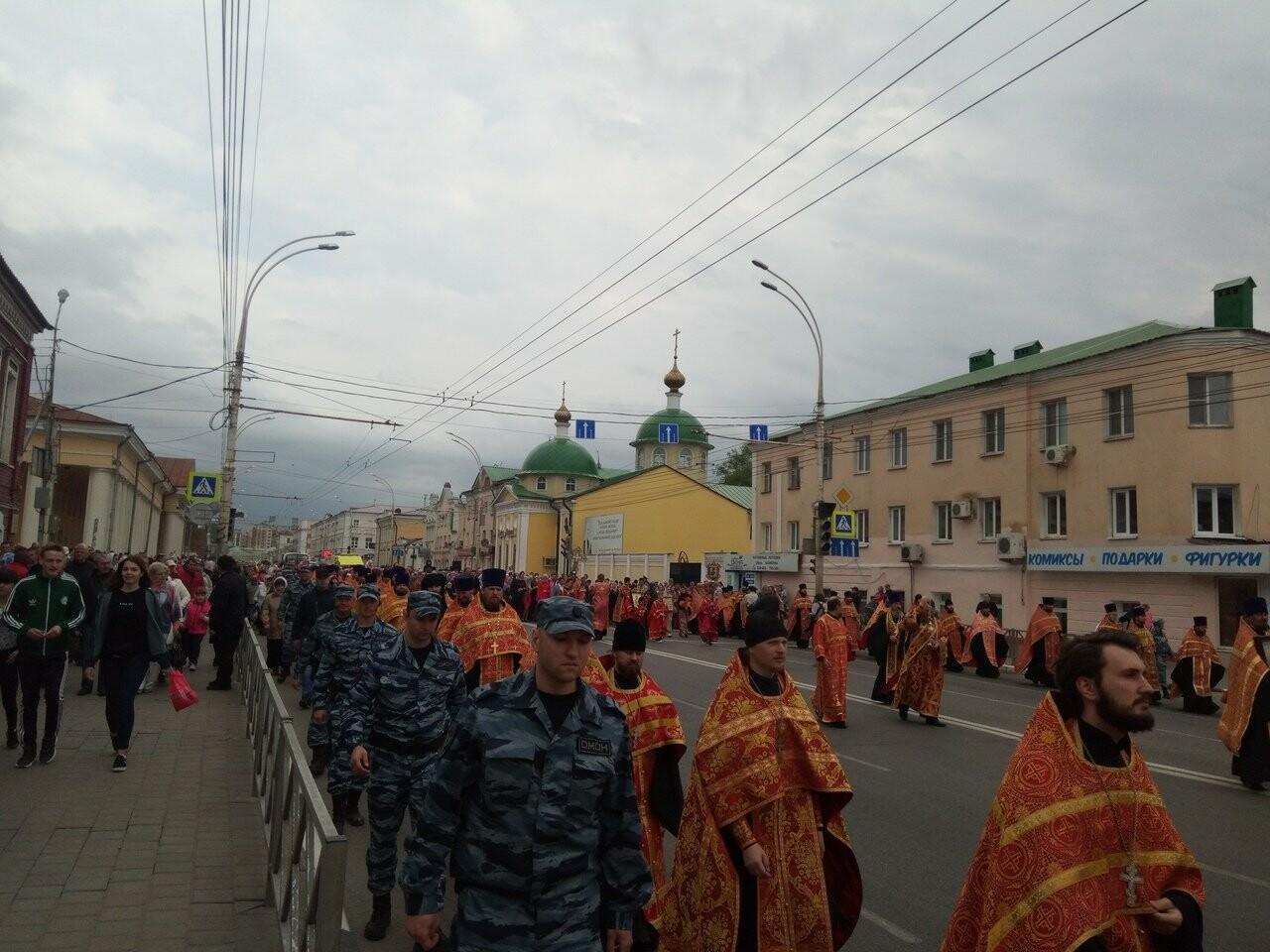 Тамбовские верующие совершили пасхальный крестный ход по улицам Тамбова, фото-5