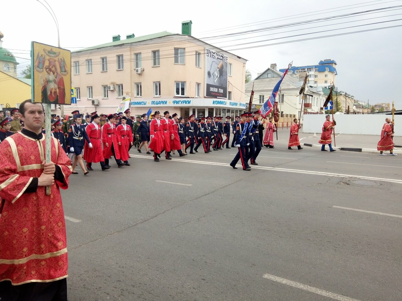 Тамбовские верующие совершили пасхальный крестный ход по улицам Тамбова, фото-7