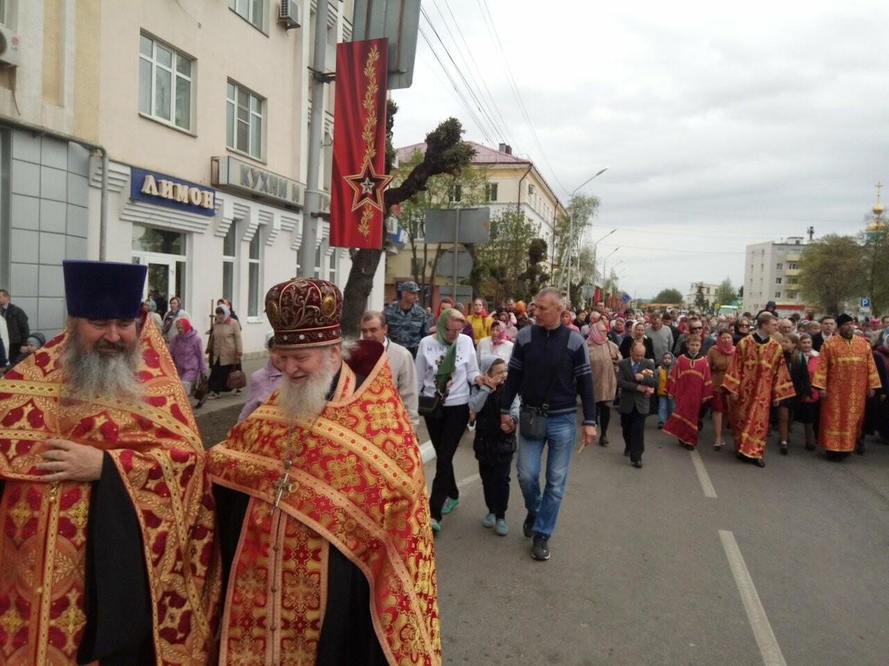 Тамбовские верующие совершили пасхальный крестный ход по улицам Тамбова, фото-2