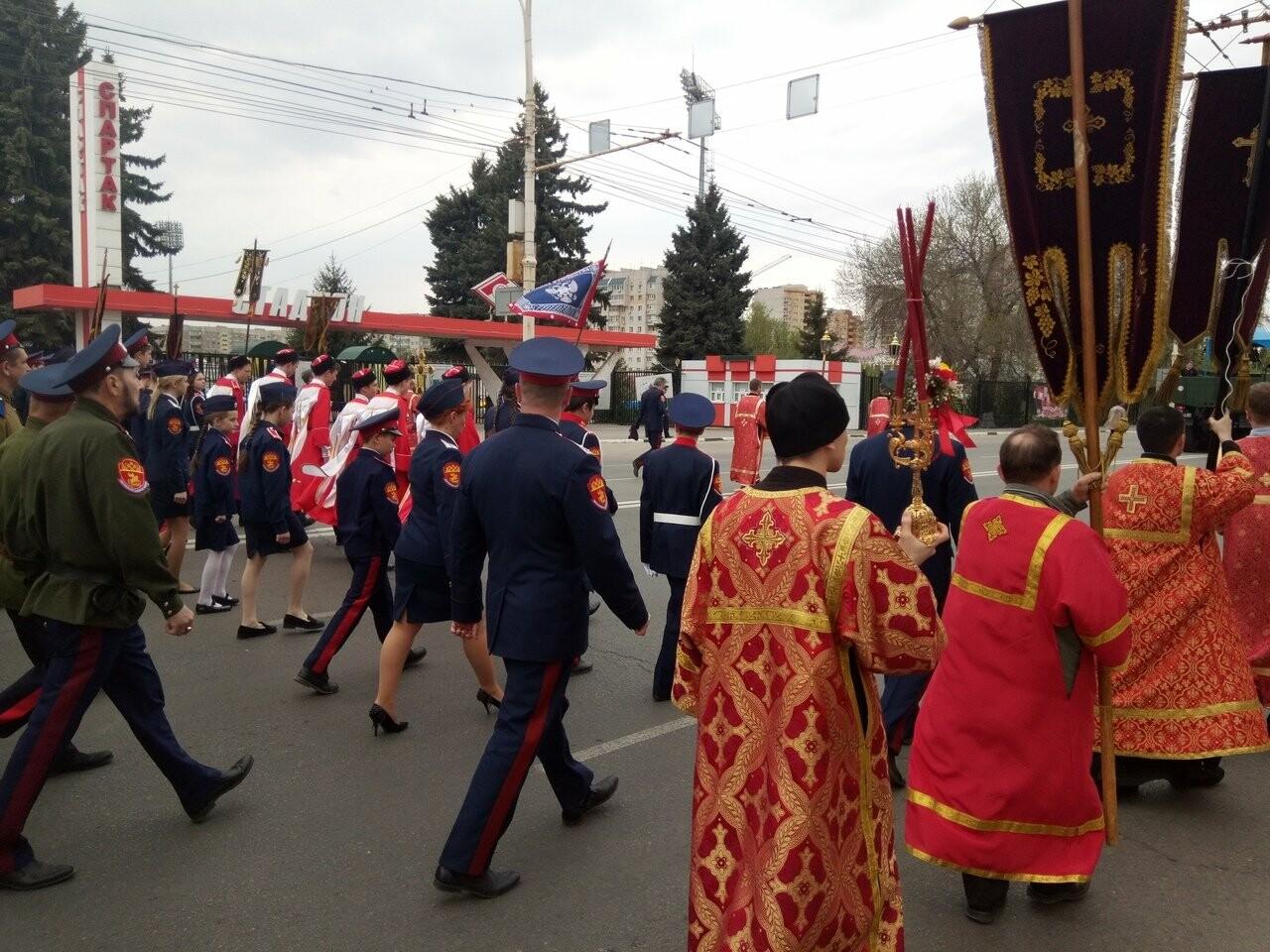 Тамбовские верующие совершили пасхальный крестный ход по улицам Тамбова, фото-8